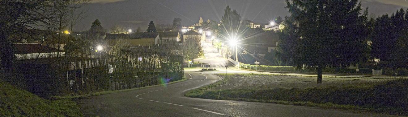 meyrie de nuit -entree vers Nivolas-bis